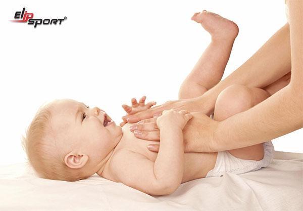 cách massage cho trẻ sơ sinh tại nhà