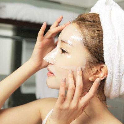 Hướng dẫn cách massage mặt sau đi đắp mặt nạ tại nhà