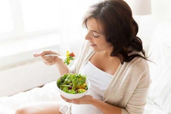 bầu ăn rau sống được không